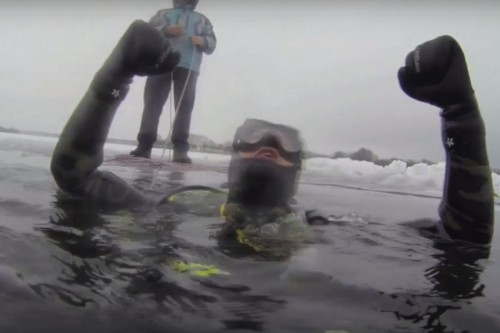 Буря эмоций от подлёдных погружений на озере Долгое